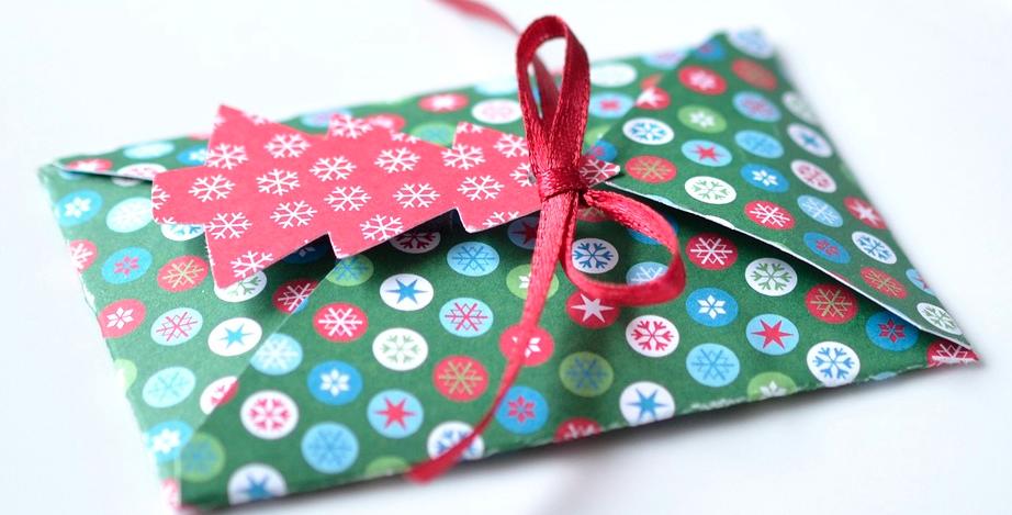 yilbasi-hediye-konsepti